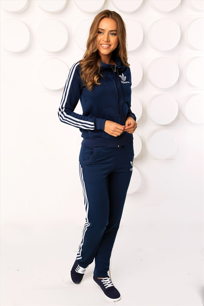 Темно синий спортивный костюм женский